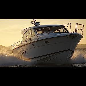 um435 Uniden marine radio white yacht lifestyle