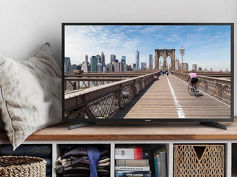 Samsung N5000 TV living room image
