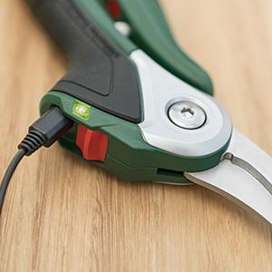 Bosch;cordless;secateurs;easyprune;prune;electric;3.6volt;3.6v;1.5ah;battery;charger; 06008B2040;