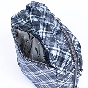 bag with organization, bag with compartments, bag with pockets