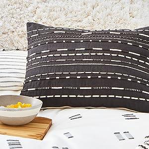 splendid pillow black