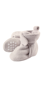 716a50605 Amazon.com: Luvable Friends Baby Cozy Fleece Booties with Non Skid ...