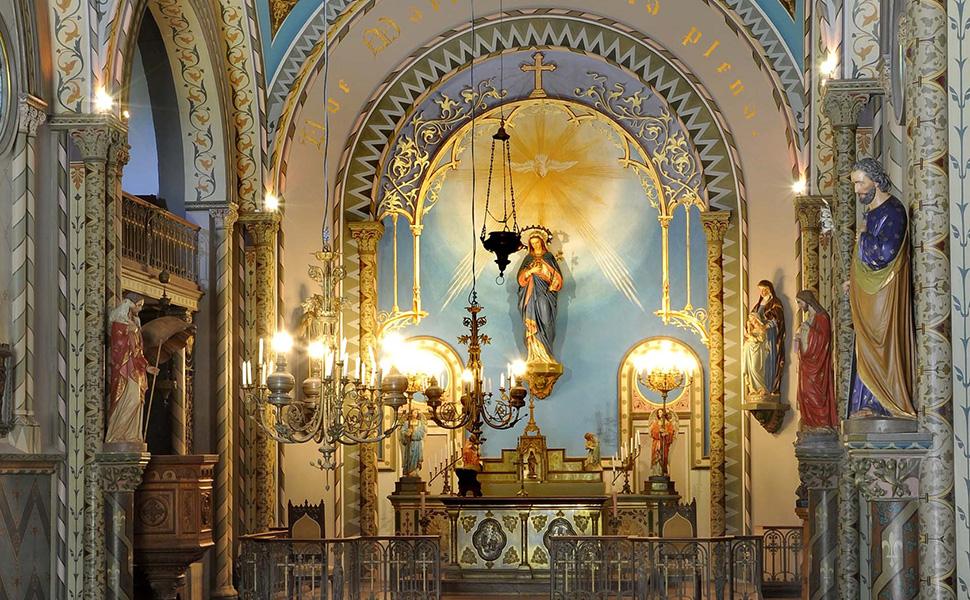 イタリアで枯れた葡萄の木を蘇らせたという奇跡を起こした聖人「サンタ・リタ」の名を冠するワイナリー