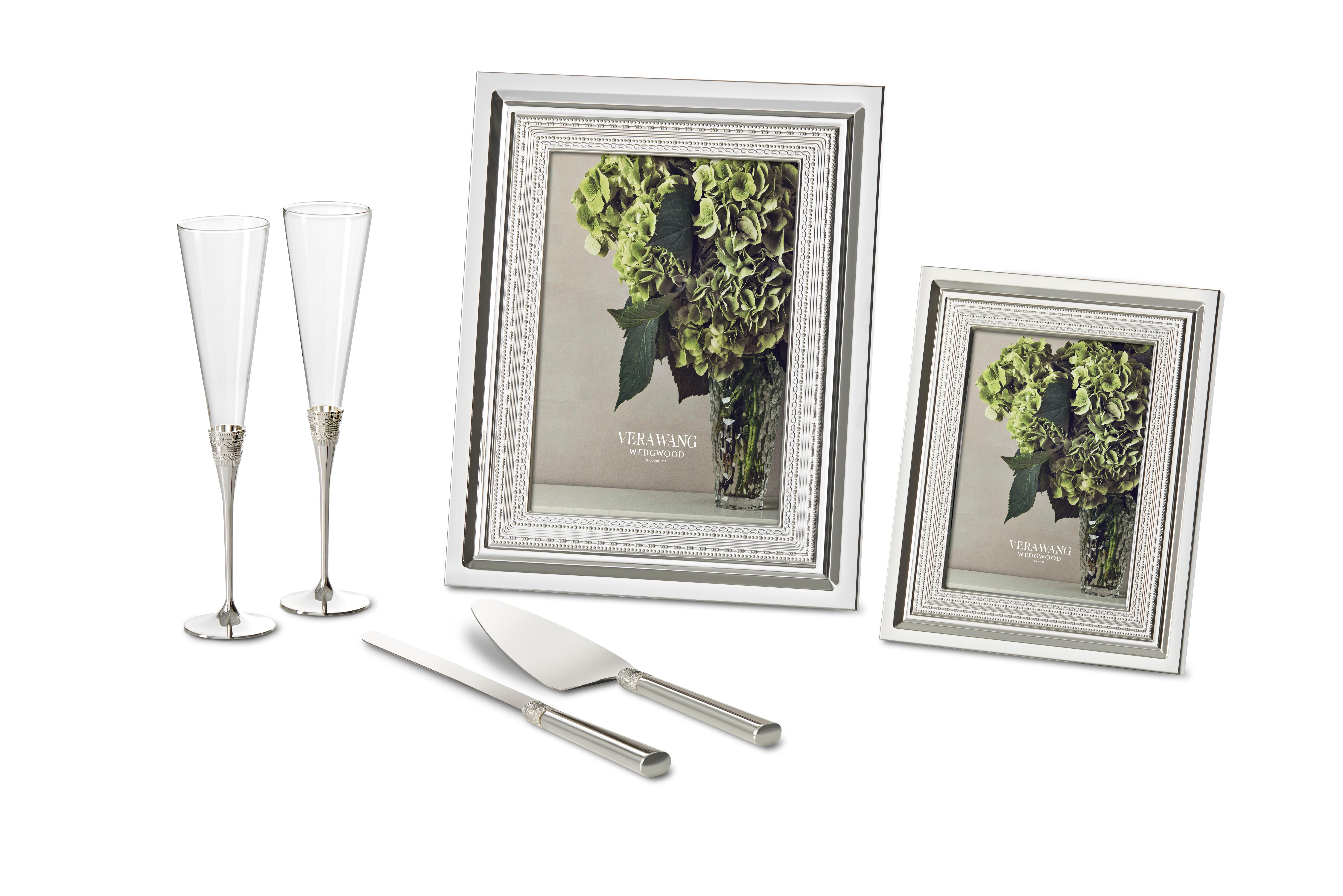 Amazoncom Vera Wang Silverplate With Love Photo Frame Holds 4x6