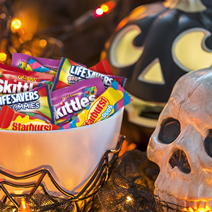Stock up on these Halloween candies for Halloween parties.