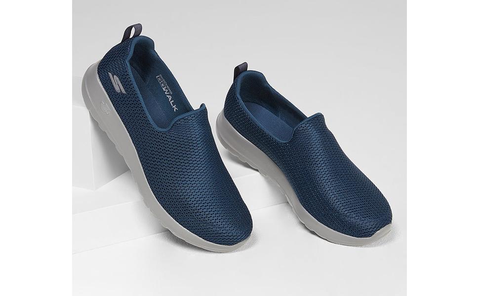 skechers slip-on shoes for men