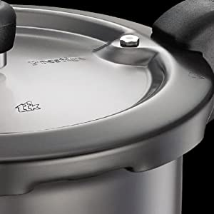 Prestige Svachh 3 Litre Pressure Cooker with Hard Anodized Body (Black) SPN-FOR1