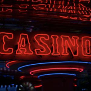 casino,sidewalk,sidewalker,get rich quick