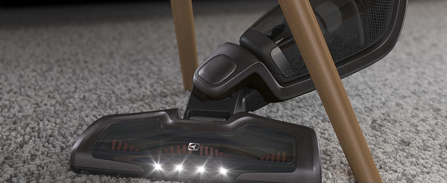 Med DustSpotter LED-lampor på munstycket behöver du inte missa något du ar dammsuger.
