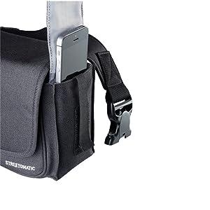 Lado izquierdo de la funda con accesorios en el bolsillo lateral