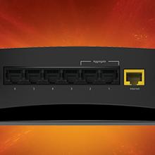 7 puertos Gigabit Ethernet, puerto SFP+ de 10 Gigabit