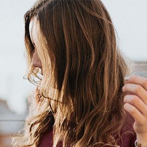 Batiste Dry Shampoo Refreshes Hair