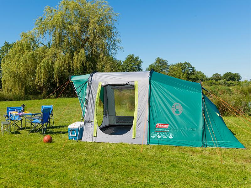 Coleman Zelt Oak Canyon 4 Personen Zelt, großes Familienzelt mit 2 verdunkelten Schlafkabinen, 100% Wasserdicht WS 4500mm