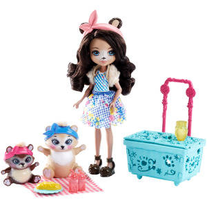 Enchantimals Picnic Play Set with Bear Doll and Two Bear Figures