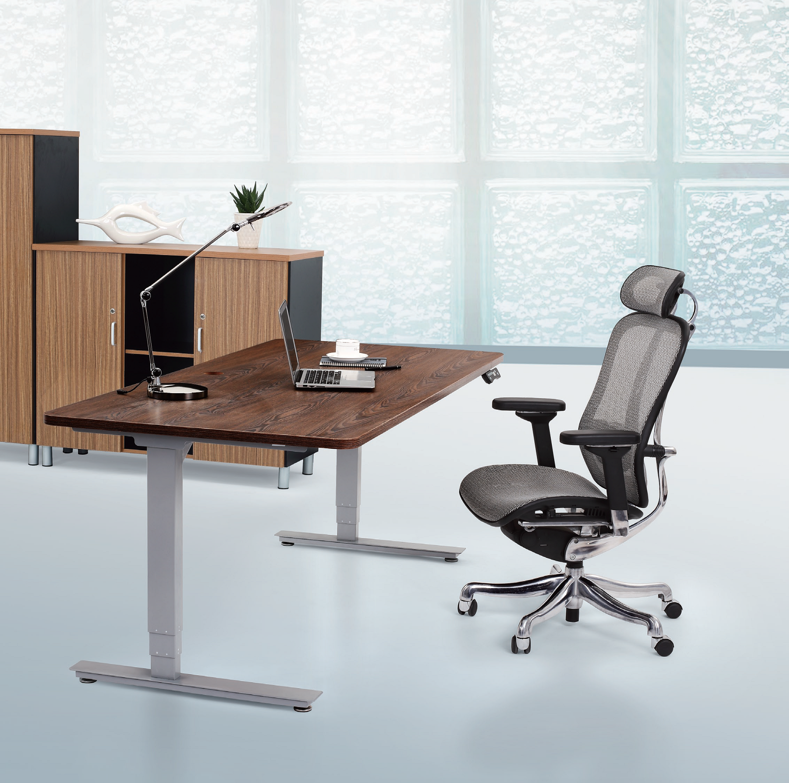 Best Electric Height Adjustable Ergonomic Office Standing Desk · View Larger