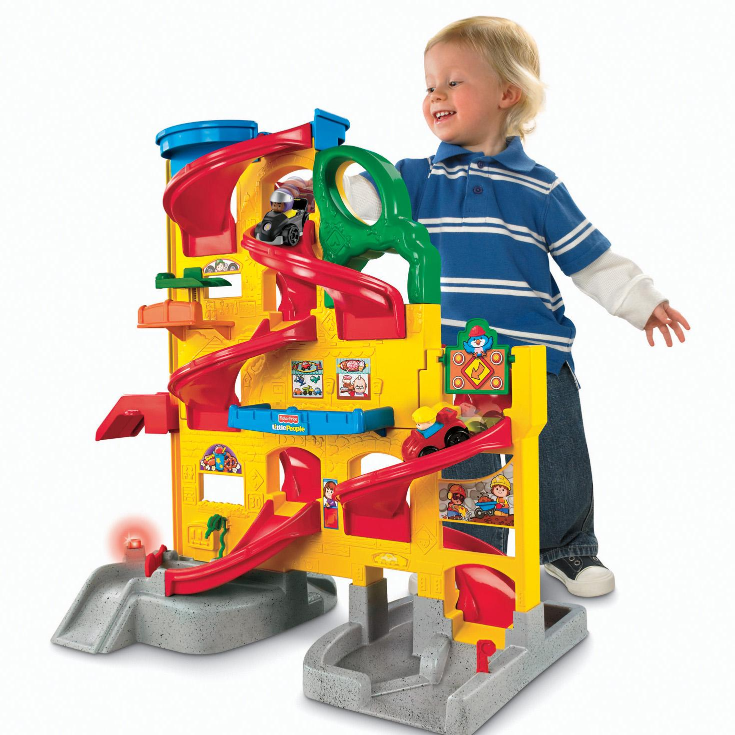 fisher price little people wheelies stand 39 n play rampway toys games. Black Bedroom Furniture Sets. Home Design Ideas