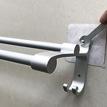hawsam sans percage porte serviettes a double barre de salle de bains aluminium adhesif barre de serviette d organisateur de support avec 2 crochets