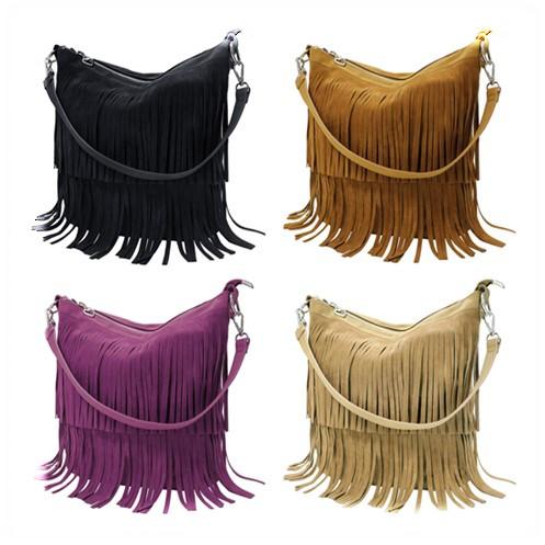 05952f3e1c Marron. La couleur mode. La lanière d'épaule réglable du sac bandoulière ...