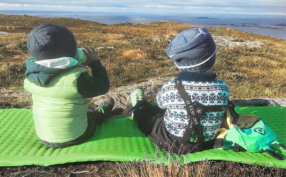 Terra Hiker Matelas Camping de Gonflable Metelas Pneumatique 195 x 63 cm Compact et R/ésistant /à l/'Humidit/é pour Camping Randon/ée Voyage Activit/és de Plein Air Air Pompe Int/égr/ée