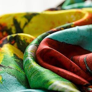 Seta naturale foulard da donna stampato.