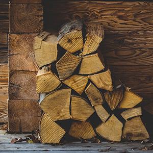 Log pile, log store, firewood, open fire fuel.