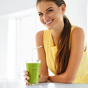 tea powder superfood health benefits, matcha nutrients, amino acids and antioxidants