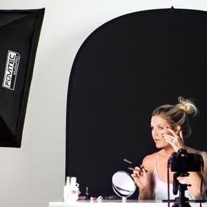 Fovitec verlichting met model, camera en achtergrond