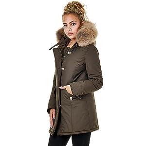 Die schöne EFW27 Damenjacke von EightyFive ist eine mittellange gefütterte  Winterjacke mit Echtfell-Kapuze. 6b933682f1