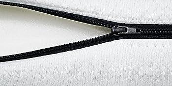 seitenansicht matratzenkern geöffneter bezug schwarzer reißverschluss