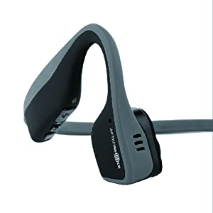 "Das ""Dual Noise Cancelling""-Mikrofon reduziert Umgebungsgeräusche, mit dem Smartphone verbunden"