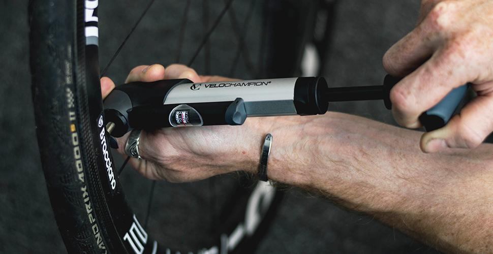 VeloChampion Bomba de Bicicleta Alloy 9 con manómetro - Presta ...
