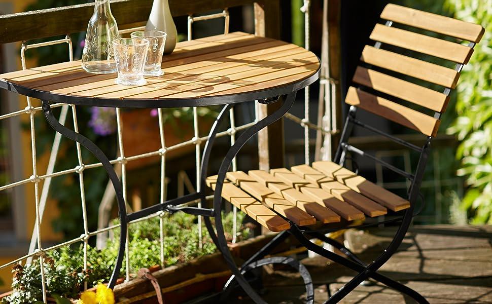 Butlers Parklife Gartenstuhl Aus Holz 47x54x88 Cm Stuhl Klappbar Aus Fsc Akazienholz Und Metall Schwarz Verzinkt Fur Balkon Oder Garten