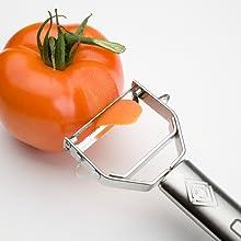 Épluche les tomates