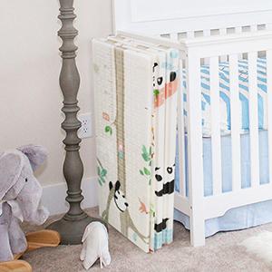 Doppelseiten spielbar Baby Spielmatte ungiftig mit dem Bild Giraffe 15mm Dicke wasserdicht faltbare baby bodenmatte Bammax Babymatte umweltfreudliche Baby Krabbelmatte