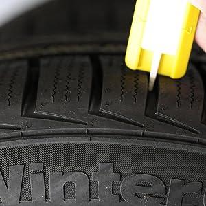 Parkscheibe Profil-Tiefenmesser mit Markierung für Sommer- und Winterreifen.