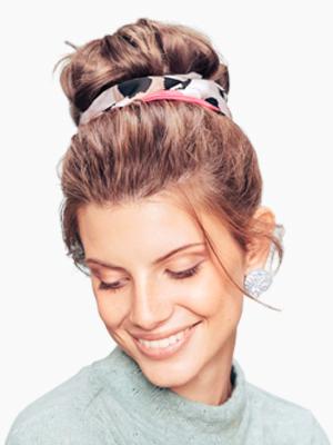 Bun Bow Schwarz Rot Floral Kopfband Nickituch Schleifentuch Seidenmatte Optik 50 x 50 cm Bandana Seidentuch Pony Puffin Haartuch