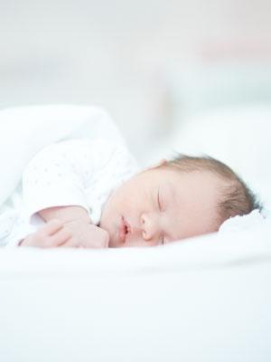 f/ür S/äuglinge Kleinkinder ZenPur Orthop/ädisches Babykissen gegen Plattkopf 50 x 30 cm Memory-Schaum Kopfkissen /Öko-Tex Standard Ergonomisches Baby Kopfkissen gegen Flachkopf Syndrom
