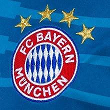 Dieses Original Fan-Trikot des FC Bayern München ist hochwertig bestickt mit dem FC Bayern Logo