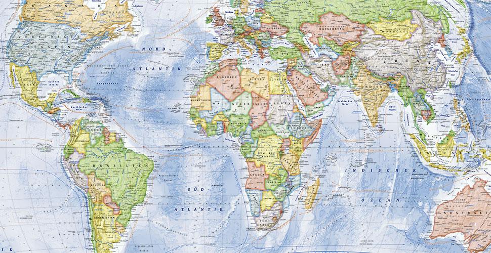 Politische Weltkarte 150 X 100 Cm Mit Flaggen Deutsch Amazon De