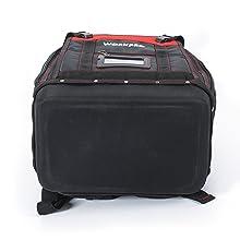El bolsillo frontal plegable permite un fácil almacenamiento de artículos grandes como cintas para peces, taladros y cables de extensión, mientras que las ...