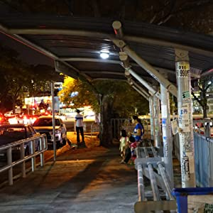 Para la iluminación de la parada de autobús