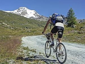 Durante las actividades deportivas al aire libre que incluyen doblarse mucho o permanecer en cierta posición por algún tiempo, como anda en bicicleta, ...