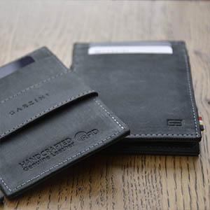 Garzini cartera mágica con un compartimento para monedas cuero vintage negro