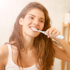 Cepillo de Dientes Eléctrico Sónicos Recargable,4 Modos y 4 Cepillos de Recambio, Impermeable IPX7 Ligero morpilot Cepillo Dental Potente-Color Blanco: Amazon.es: Salud y cuidado personal