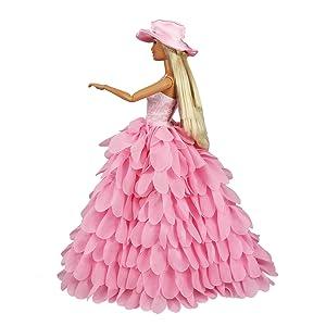 Viene con 1 sombrero.Multi capas, fuera del hombro estilo es atados por velcro en la parte posterior.
