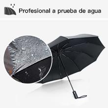 Este paraguas compacto tiene un eje de metal negro y costillas de fibra de vidrio que aseguran una alta resistencia a ráfagas de viento de 55 mph.