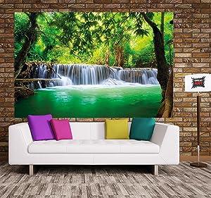 Sienta el efecto calmante del paisaje del póster XXL y el deseo de saltar en el lago refrescante y reluciente. El panorama de la cascada en la selva ...