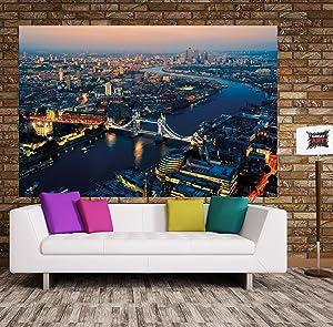 El tapiz muestra el horizonte famoso puente de báscula, el puente de la tower. Izquierda está todavía la torre iluminada de Londres para ver y en el lado ...