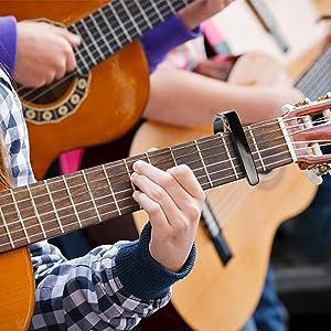 Ampliamente Diseño. Diseñado para guitarras acústicas y eléctricas ...