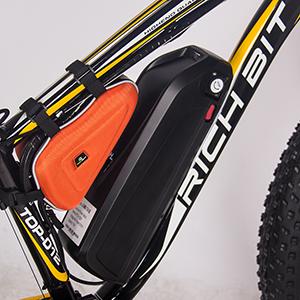 La batería 17Ah Litium-ion proporciona ciclos de larga duración, la batería es extraíble, puede cargarla en la bicicleta o fuera de ella.